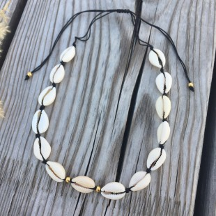 Mušľový náhrdelník short